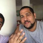 Con el amigo Diego disfrutando el desayuno.