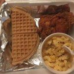Photo de Roscoe's House of Chicken & Waffles