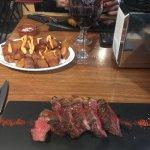 Patatas bravas + viande à la plancha