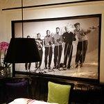 Tolle Wandbilder zieren die Wände des Restaurants