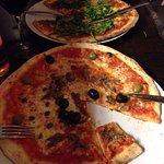 Very Italian Pizza Foto