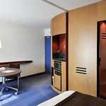 Foto de Novotel Suites Reims Centre