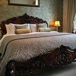 Myrtleberry with carved super king bed