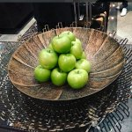 The perfectly arranged welcoming apple's in the lobby