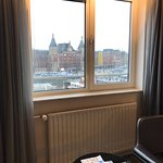 Photo de Park Plaza Victoria Amsterdam