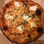 Fresh Mozzarella - San Marzano tomato sauce, fresh mozzarella & organic basil