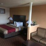 Econo Lodge Inn & Suites Downtown Northeast Foto