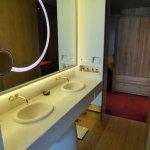 'Vivienne Tam' penthouse Club 80 Suite