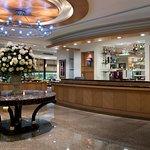 Photo de Lakeshore Hotel Metropolis I