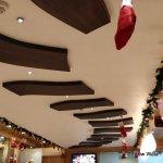 Restaurant, decor & dishes