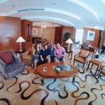 AG New World Manila Bay Hotel resmi