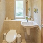 Studio ensuite shower room