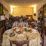 vi offriamo l'esperienza più bella della vita:stare insieme a tavola con vini e cibo naturali