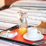 Petit Dejeuner Continental en chambre ou buffet en salle
