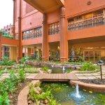 Kampala Serena Hotel resmi