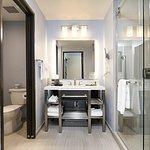 King room bathrooms