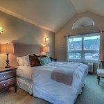 The Harborview Room #4