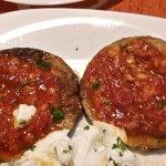 Auberginen mit Tomatensauce und Tzatziki