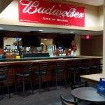 Foto de Airport Plaza Inn & Conference Center