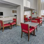 Photo de Holiday Inn Express Hotel & Suites London