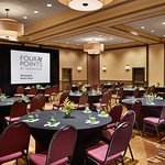 Four Points by Sheraton Milwaukee North Shore Foto