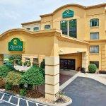 道爾頓拉昆塔旅館及套房飯店