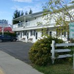 Blue Sky Motel Photo