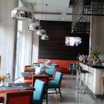 Metro Cafe & Bar