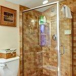 East Room - bathroom