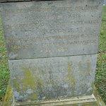 Inscriptions sur le socle