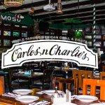 ¡Bienvenidos a Carlos'n Charlie's!