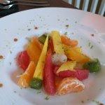 fruits frais pelés, très frais et très bon pour finir le repas.