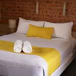 Double Bed with wall and side lights