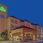 Photo of La Quinta Inn & Suites DFW Airport West - Bedford
