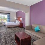 Photo de La Quinta Inn & Suites Oklahoma City -Yukon