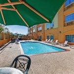 Photo of La Quinta Inn & Suites Pearland