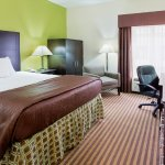 Photo of La Quinta Inn & Suites Columbus - Grove City