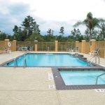 Photo of La Quinta Inn & Suites Lumberton