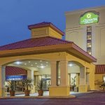 Photo of La Quinta Inn & Suites Hickory