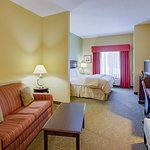Photo of La Quinta Inn & Suites Richmond - Kings Dominion