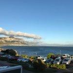 Uitzicht vanuit het restaurant op de baai