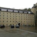 Hotel vu de la cour intérieure du chateau