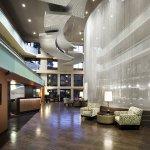 Photo de Holiday Inn & Suites Phoenix Airport North