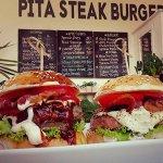 Foto de Pita Steak Burger