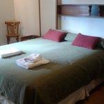 habitacion muy cómoda,con baño completo y ducha calentita!!!