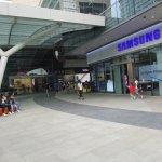 Westgate Shopping Mall Singapore Entrance