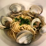 Linguini with Clams with White Wine, Garlic, Butter Sauce