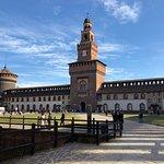 Castello Sforzesco, merece la pena visitarlo, está a veinte minutos del hotel andando