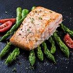 Baked Salmon with fresh Asparagus