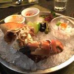 非常大份量的螃蟹前菜冷盤